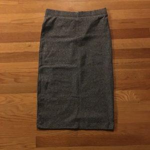 Stretchy pencil skirt